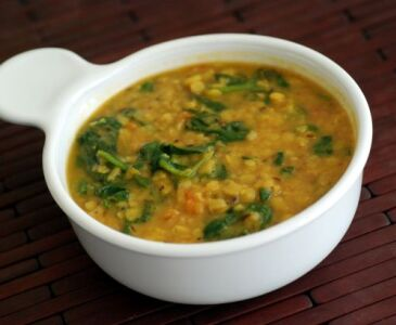 Toor Palak Dhal (Dhal Curry)